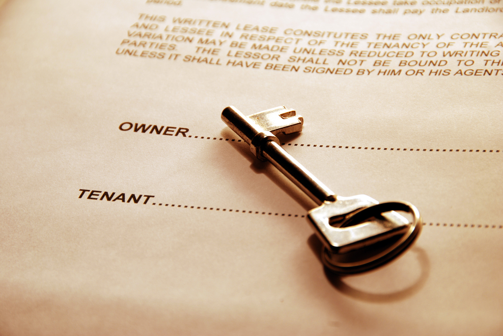 door key on rental agreement